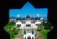 Baiturrahman Grand mosque at Banda Aceh