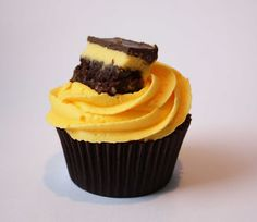 saucy's sprinkles (bloggedy blog blog): cupcake meets nanaimo bar