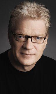 Sir Ken Robinson. Sir Ken Robinson, experto internacional en el desarrollo de la creatividad, innovación y recursos humanos, propone un cambio en el paradigma educativo: potenciar la creatividad, los talentos de cada uno. www.alaya.es