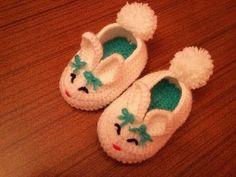 Örgü Bebek Patiği Nasıl Yapılır ? Crochet Baby Bunny Slippers - YouTube