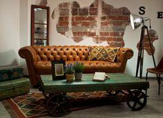 Sofá Chester capitoneado de cuero natural 100% vacuno Uruguay. Lo tenemos disponible en Ünik Vintage Furniture.