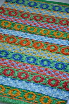 Loom Weaving, Hand Weaving, Scandinavian Embroidery, Textiles, Weaving Projects, Recycled Fabric, Weaving Techniques, Rug Hooking, Woven Rug