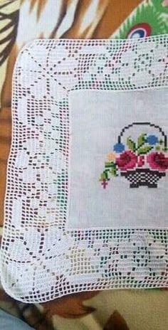Cross Stitch, Color, Dish Towels, Cross Stitch Borders, Crochet Blanket Patterns, Punto De Cruz, Seed Stitch, Colour, Cross Stitches