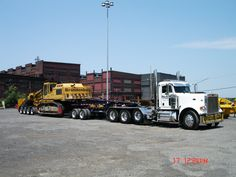 HD Peterbilt Triaxle with 2 axle jeep dolly and 4 axle beam trailer......