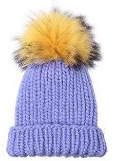 Bonnet violet à pompon en fourrure jaune et noir, Eugenia Kim