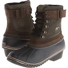 Sorel -- only come in Medium, but I've seen their boots -- look wider