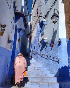 Pensando en tu próxima escapada??? En el #blog te contamos acerca de las tres ciudades más azules de #Marruecos. Una es #chaouen y las otras... sabes cuáles son??? #felizlunes