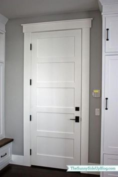 32 trendy hallways with baseboards for Trendy Farmhouse Trim Baseboards Corridors farmhouseSuper Farmhouse Trim DIY Door Frame IdeasSuper Farmhouse Trim DIY Door Frame Ideas farmhouse diyJune How to create simple and Farmhouse Interior Doors, Interior Door Trim, Farmhouse Trim, Farmhouse Windows, Farmhouse Style, Interior Door Styles, Farmhouse Frames, Modern Farmhouse, Farmhouse Plans