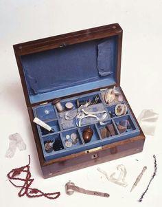 Charlotte's needlework tool box (courtesy of The Bronte Parsonage Museum) ♡