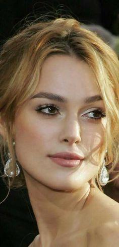 Keira Knightley Que bonita de loira