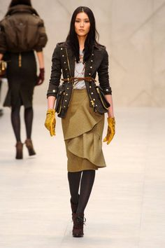 This jacket with jeans!  Burberry Prorsum Fall 2012 Runway - Burberry Prorsum Ready-To-Wear Collection - ELLE