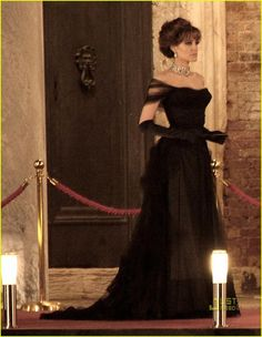 Angelina Jolie: Ball Gown Gorgeous | angelina jolie ball gown tourist 02 - Photo