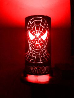 Luminária Homem -aranha Pvc Pipe Crafts, Pvc Pipe Projects, Metal Crafts, Bollard Lighting, Pipe Lighting, Small Projects Ideas, Bamboo Lamp, Gourd Lamp, Led Diy