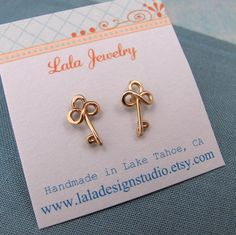 key earrings to go with the fleur de lis studs in my second hole