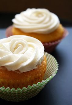 Vanilla Cupcakes with Cream Cheese Frosting | The Comfort of Cooking