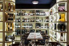 """En el emblemático barrio de San Telmo entre caserones coloniales y calles adoquinadas, encontramos la vinoteca y """"restorán"""" Aldo´s, de estilo clásico y con matices de Art Decó."""