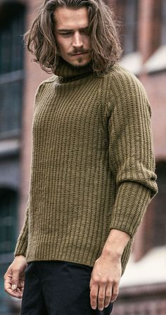 Time to change outfits. These fall outfits for men will make you look stylish and gorgeous. Layering Outfits, Trendy Outfits, Fall Outfits, Waxed Cotton Jacket, Tweed Jacket, Mens Suits, Knitwear, Men Sweater, Men Stuff