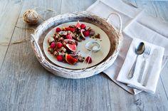 Bezlepkový pohankový trhanec se skyrem a levandulí/Lavender scrambled pancake (made from whole grain buckwheat flour and skyr) with fresh figs, raspberries and pistachios