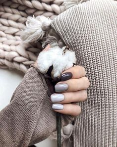 What Christmas manicure to choose for a festive mood - My Nails Blush Pink Nails, Nude Nails, Acrylic Nails, Stylish Nails, Trendy Nails, Nail Polish Online, Beauty Hacks Nails, Neutral Nails, Minimalist Nails