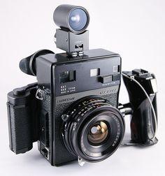 Mamiya Universal rangefinder camera with lens Antique Cameras, Old Cameras, Vintage Cameras, Camera Hacks, Camera Gear, Photography Camera, Pregnancy Photography, Portrait Photography, Fashion Photography