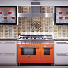 Whether your kitchen is compact or spacious, contemporary or traditional, Bertazzoni has the cooking machine package to suit. Kitchen Cabinets, Kitchen Appliances, Kitchens, House Plans, Oven, Traditional, Contemporary, Cooking, Pictures
