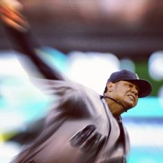 ALL HAIL. King Felix throws his fifth complete-game shutout of the season in 1-0 win over Twins. 8/27/12