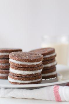 Homemade Oreos GF   simpleveganblog.com #simpleveganblog #vegan #recipe #glutenfree