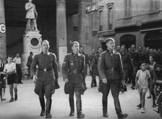 jochenmarseille:Jochen Peiper with Werner Wolff and Paul Guhl, Reggio, august 1943
