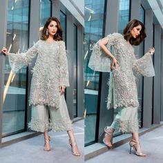 40 Ideas Bridal Dresses Pakistani Nikkah For 2019 Pakistani Wedding Outfits, Pakistani Dresses, Indian Dresses, Indian Outfits, Indian Bridal Lehenga, Indian Bridal Wear, Lehenga Wedding, Asian Bridal, Kebaya Dress