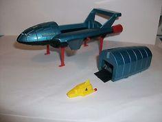 Dinky Toys 101/106 Thunderbirds 2 & original T/Bird 4
