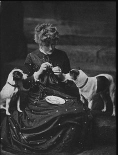 Ellen Terry With pets Fussie and Drummie in 1880s