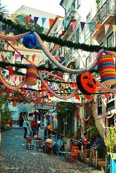 Alfama - festas de Sto António de Lisboa,  Portugal