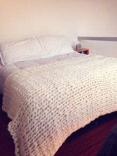 TEJIDOS EXTREMOS MARY GO Green Resort, Cotton Cord, House Design, Blanket, Knitting, Sewing, Furnitures, Bed, Nice