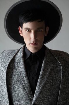Robin Lord Taylor imagens Robin Lord Taylor - XEX Magazine Photoshoot - 2015 wallpaper and background fotografias