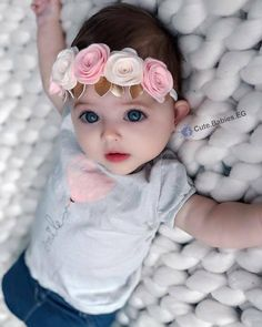 Who wouldn't wants to wake up to this! Cute Kids Pics, Cute Baby Girl Pictures, Cute Little Baby Girl, Baby Kind, Adorable Petite Fille, Cute Baby Girl Wallpaper, Cute Babies Photography, Baby Model, Cute Baby Videos