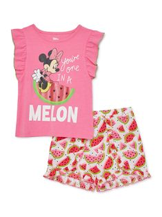 Disney Baby Clothes, Baby Disney, Kids Outfits Girls, Toddler Girl Outfits, Minnie Mouse Bedding, Mouse Outfit, Baby Mouse, T Shirt And Shorts, Baby Girl Shoes