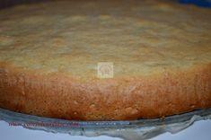 Tort Raffaello cu zmeura - CAIETUL CU RETETE Food Cakes, Banana Bread, Cake Recipes, Cooking Recipes, Desserts, Fine Dining, Raffaello, Cakes, Tailgate Desserts