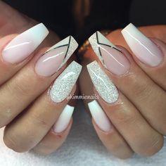 Faded french, diamond & v-french with a twist #naglar #nagelkär #nagelteknolog #naglarstockholm #nagelförlängning #uvgele #gele…