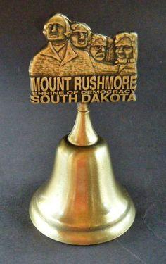 DOUBLE SIDED MOUNT RUSHMORE PRESIDENTS SOUTH DAKOTA SOUVENIR METAL BELL