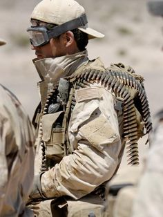 Seal of Honor Anything worth shooting is worth shooting twice. Ammo is cheap. Life is expensive Pictures Of Soldiers, Military Pictures, Special Ops, Special Forces, Tactical Wear, Tactical Knives, Special Operations Command, Us Navy Seals, Army Surplus