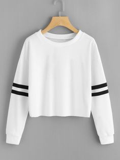 Shop Varsity-Striped Sleeve Sweatshirt at ROMWE, discover more fashion styles online. Cute Comfy Outfits, Chic Outfits, Trendy Outfits, Girl Outfits, Girls Fashion Clothes, Teen Fashion Outfits, Outfits For Teens, Crop Top Outfits, Teenager Outfits
