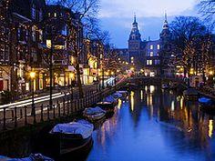 Amsterdam....bello para pasear en bici y por supuesto ir a un coffee shop jejeje