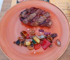 COMIDA DIA 10/04/2021 Steak, Food, Mixed Vegetables, Stir Fry, Recipes, Essen, Steaks, Meals, Yemek