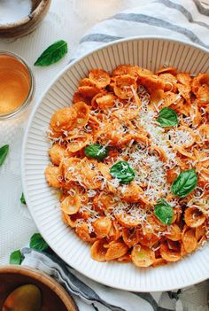 Roasted Red Pepper Pesto Pasta / Bev Cooks