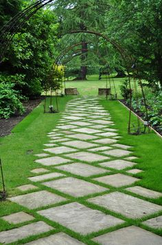 Garden Paving, Pebble Mosaic, Yard Ideas, Stepping Stones, Walkways, Early  Childhood, Outdoor Spaces, Mosaics, Goodies