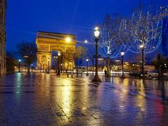 Arc de Triumph from the Champs de Elysses, Paris