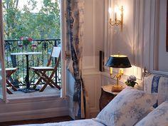 Your studio apartment in Paris through a luxury Paris rental on Ile Saint Louis - Home Decor Design Studio Apartments, Cool Apartments, Luxury Apartments, Studio Apartment Decorating, Apartment Interior, Interior Decorating, Decorating Ideas, Bedroom Balcony, Paris Bedroom