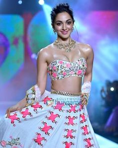 Fashion Tips For Women Indian Actress Photos, Bollywood Actress Hot Photos, Indian Bollywood Actress, Beautiful Bollywood Actress, Most Beautiful Indian Actress, Actress Pics, Bollywood Bikini, Bollywood Girls, Bollywood Stars
