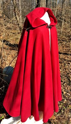 ae0465e93c Red Long Cloak - Cozy Winter Cloak - Full Circle Fleece Medieval  Renaissance Hooded Cloak - Costume Cape with Hood