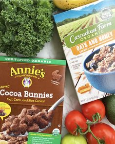 Check out some of my favorite natural and organic must haves from @Walmart including these Annie's Cocoa Bunnies and Cascadian Farm Oats and Honey Granola #ad #BreakfastGoals #Annies #CascadianFarm